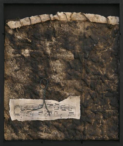 Senza titolo, 2016, carta a mano, spartito e ferro combusto inseriti in scatola di legno, 30x40