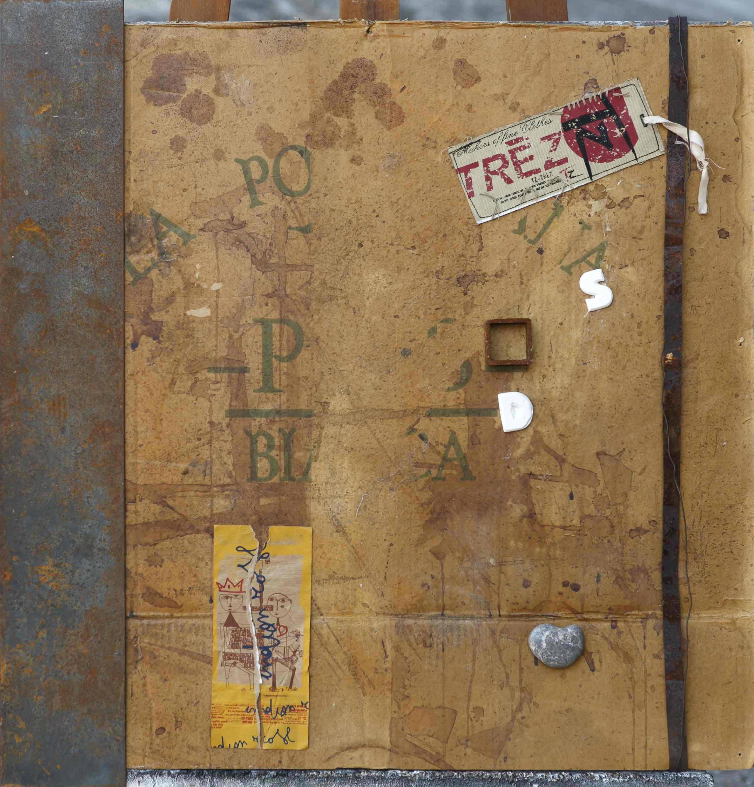 Itinerario della memoria, carta, ferro, gesso, tela, sasso su tavola, 70x70, 2014