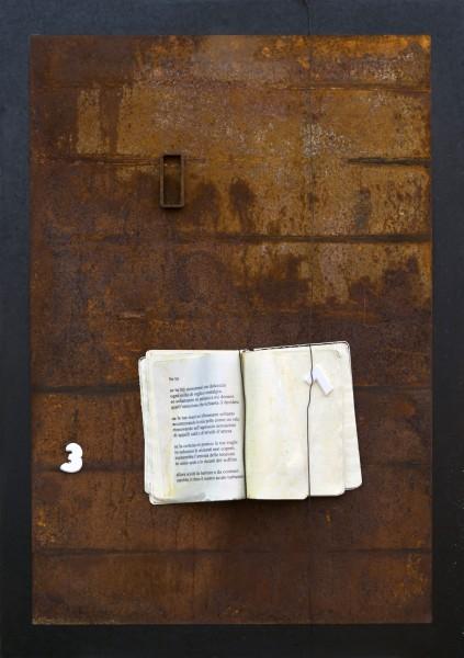 Comunicazione n° 3, 2012, ferro corroso, libro e gesso, 50x70
