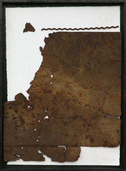 Senza titolo, 2016, ferro combusto e grafica inseriti in scatola di legno, 30x40