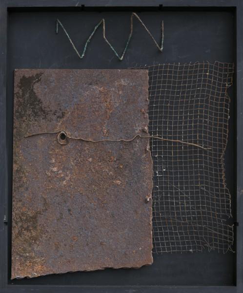 Senza titolo, 2015, ferro combusto inserito in scatola di legno, 30x40