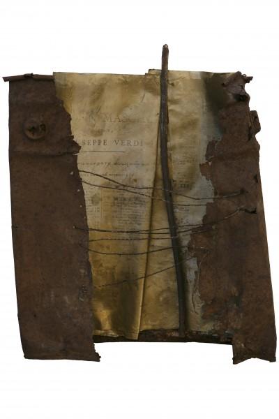 Echi della memoria, 2015, ferro, spartito, spago, 32x35