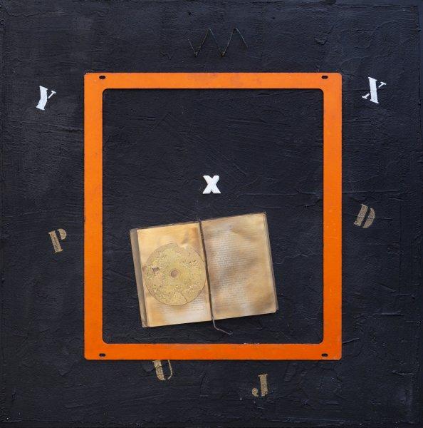 Vecchie melodie, 83x81, ferro, libro, cd, su tavola, 2020
