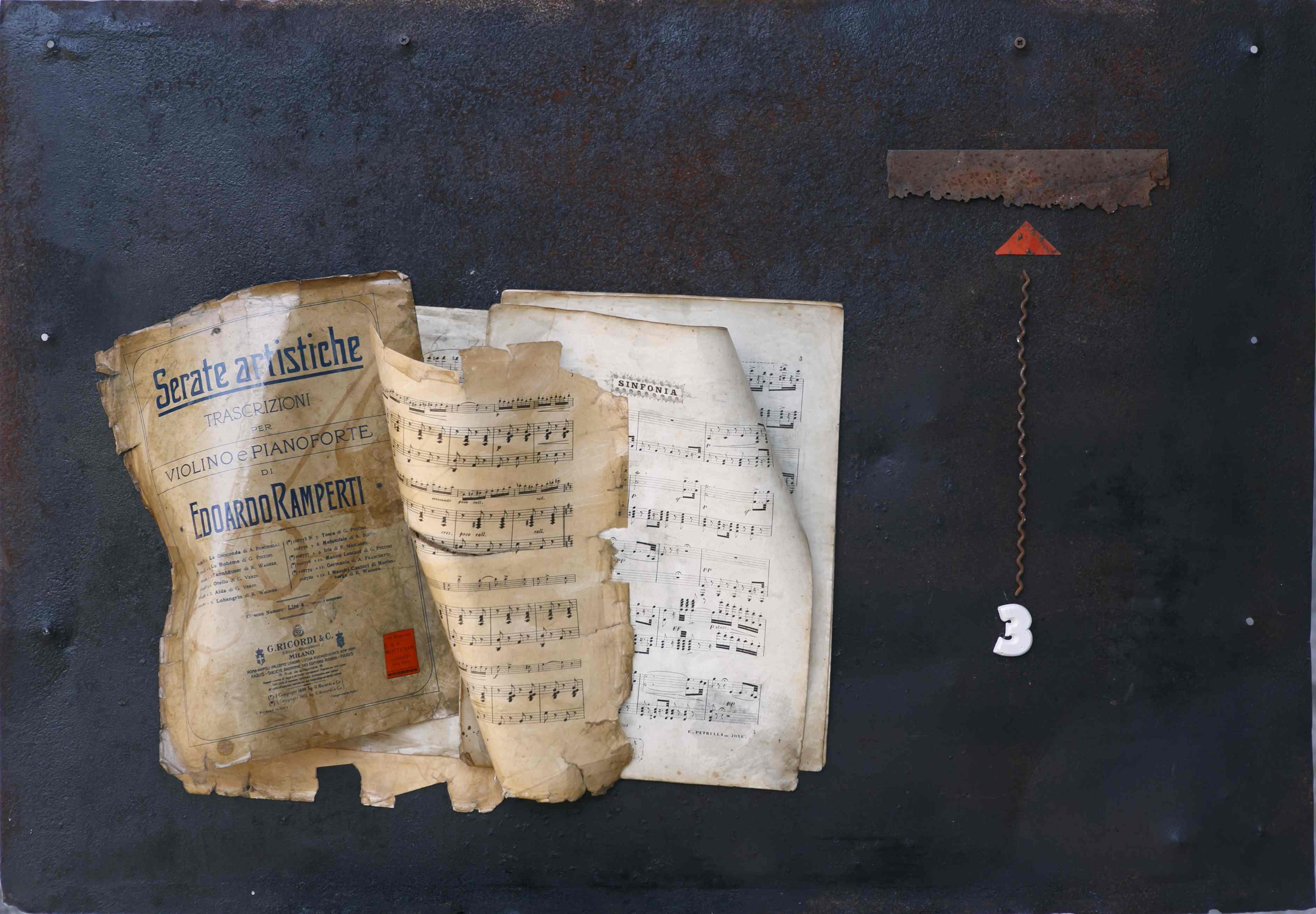 Armonie, ferro corroso, spartito e gesso, 100x70, 2013