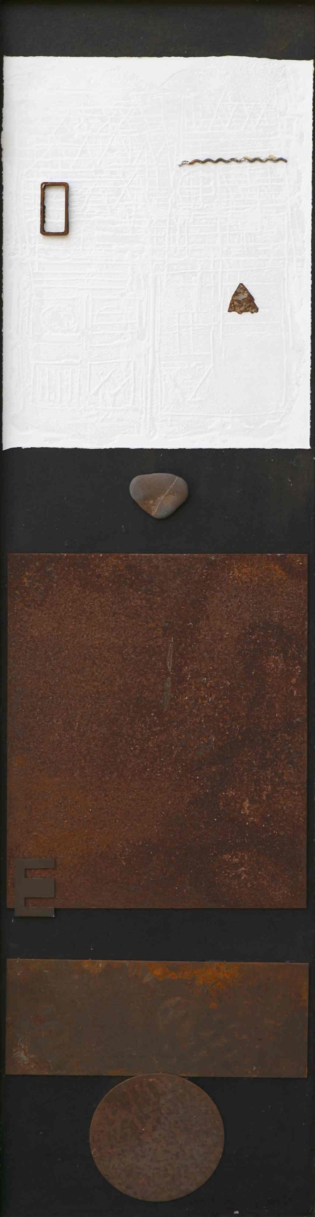 Il dialogo del visibile, ferro corroso, sasso su tavola, 132x37, 2001