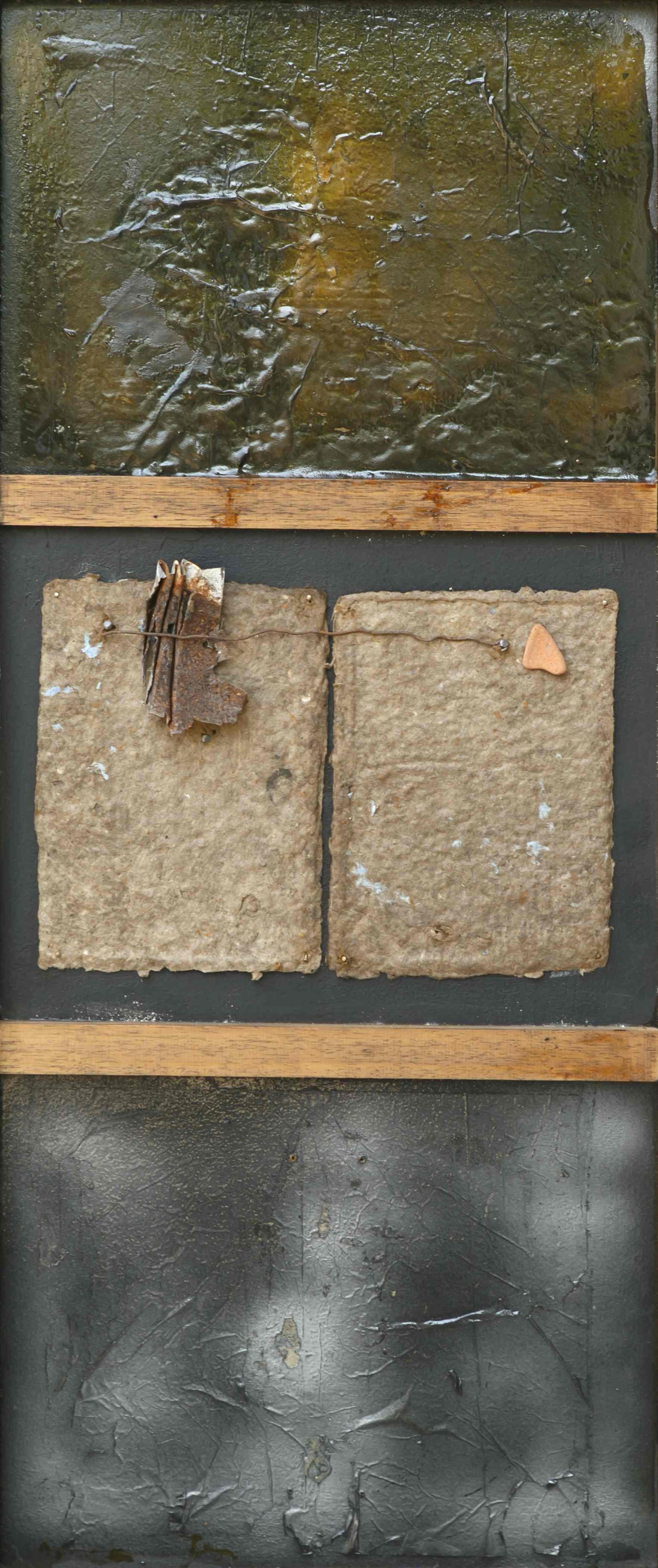 Il dialogo del visibile, ferro, carta a mano, sasso, vetroresina su tavola, 95x41, 2005