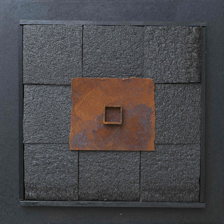 Le possibilità della materia, ferro corroso, materiale sintetico su tavola, 50x50, 2010
