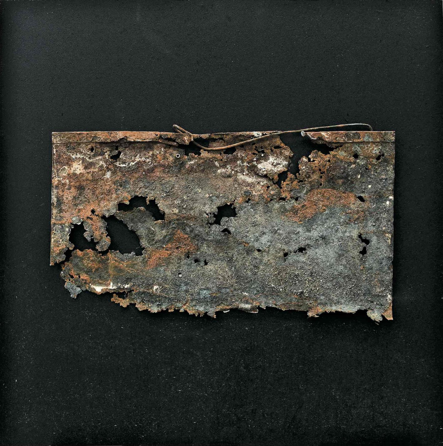 L'essenza della materia, ferro combusto su tavola, 50x50, 2008
